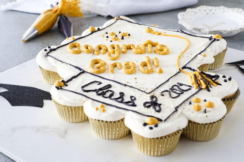 Pull-Apart Cupcake Cake